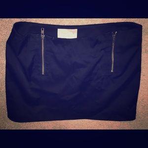 Elizabeth & James  black satin mini skirt 4